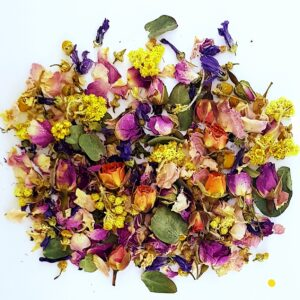 Mixed Dried flowers for Candle decorating – Rose Buds, Rose Petals, Eucalyptus and more 12gm bag